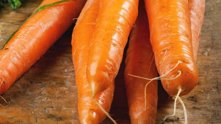 TikToker Shows That We've Been Peeling Carrots Wrong All This Time