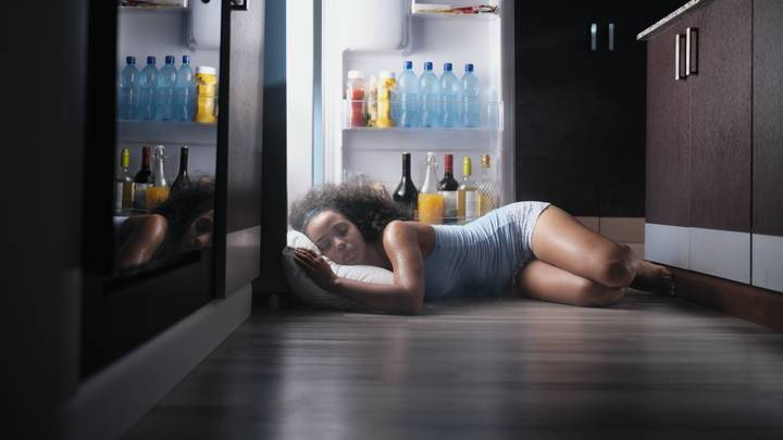 Expert Explains How To Get A Good Night's Sleep During A Heatwave