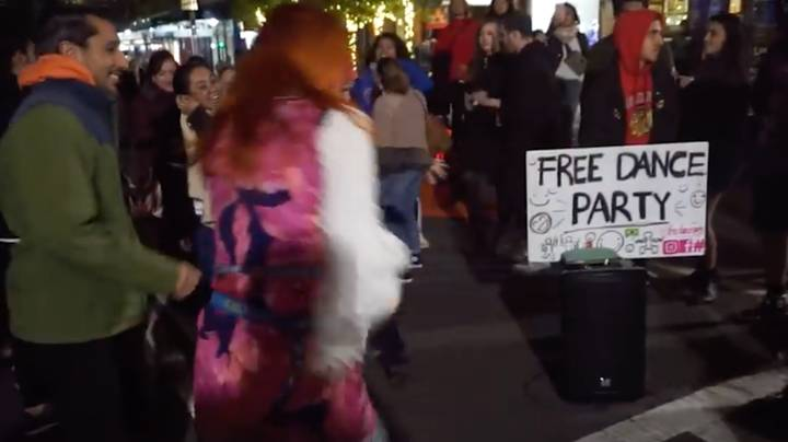Police Shut Down Sydney Street Gathering Of People Dancing To The Ketchup Song