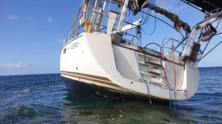 Boat Carrying $1 Billion Worth Of Cocaine And Ecstasy Crashes On Aussie Reef