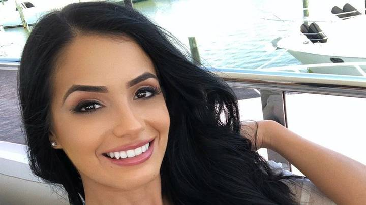 Ring Card Girl Responds To Guy Who Asked Her On Date After 'Falling In Love' At Boxing