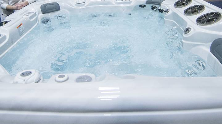 Hot Tub Party Host Told Cops They 'Didn't Know There Was A Pandemic'