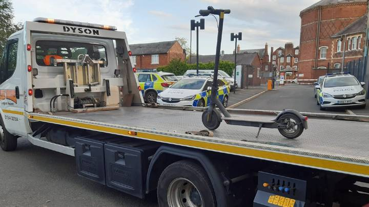 Police Mocked After Towing Away Scooter Using 7.5 Tonne Recovery Truck