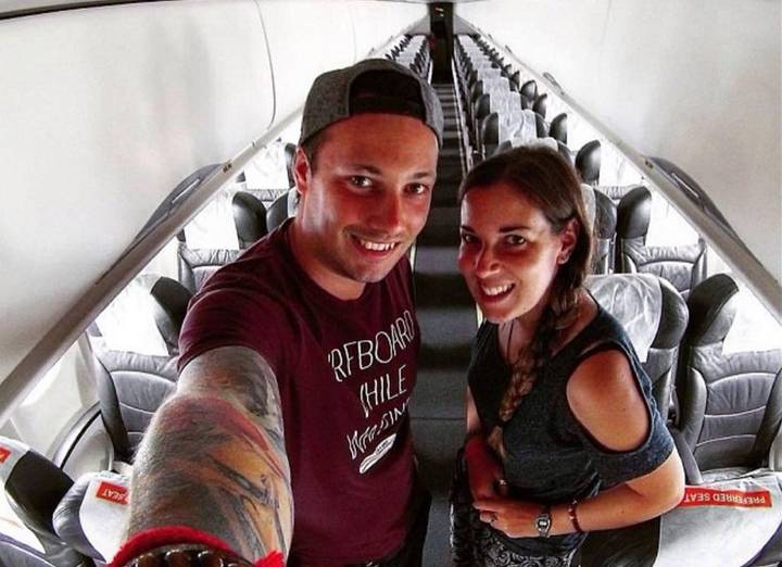 Couple Discover They're Alone On A Flight, Frivolity Ensues
