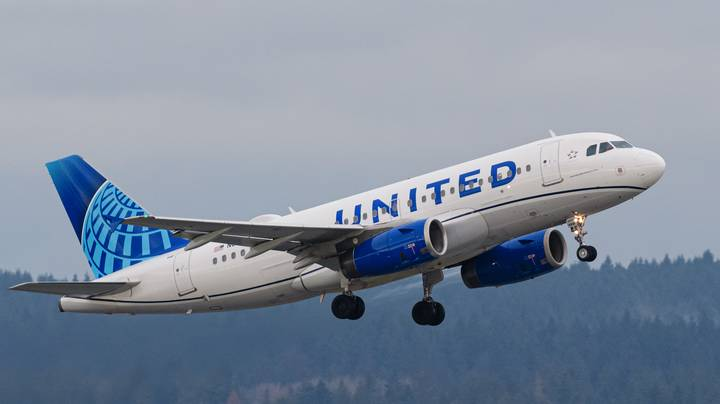 Man Who Died On United Airlines Flight May Have Had Covid Symptoms