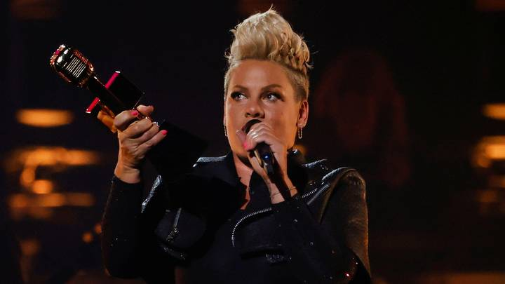 Pink Reflects On Robin Williams Improvising Comedy For Her Following Grammys Loss
