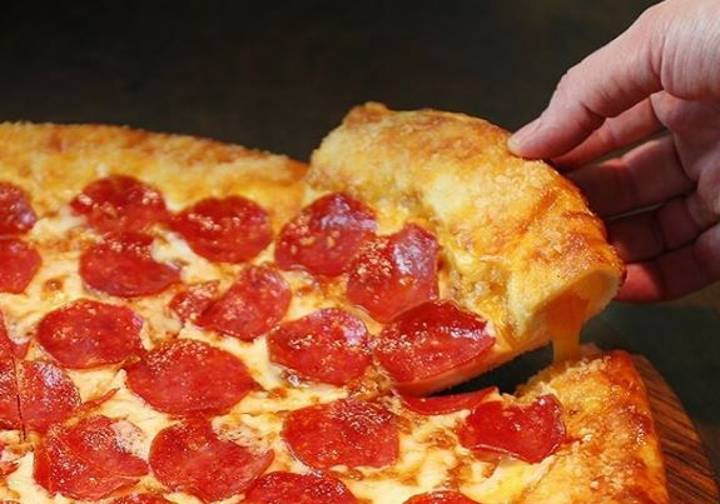 Like Pizza And Basketball? Then We Have The Greatest Job Ever For You