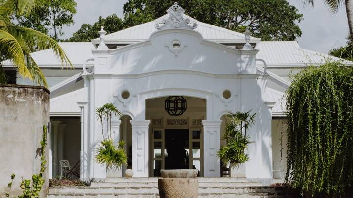 Four Friends Restore Dilapidated 100-Year-Old Mansion In Sri Lanka