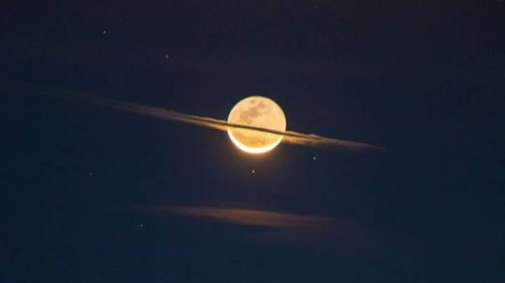 Photographer Takes 'Once-In-Lifetime' Shot Of The Moon Looking Like Saturn