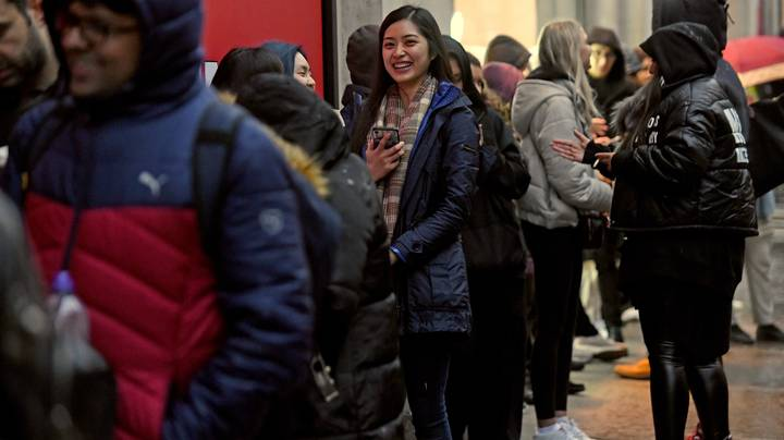 Shoppers Start Queuing As Early As 3AM For Boxing Day Sales