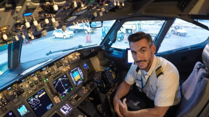 People Don't Know Whether Pictures Of Pilot Outside A Plane Are Real