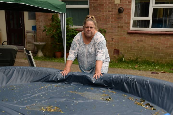 Residents Told To Drain Their Paddling Pool - In Case A Burglar Drowns In It