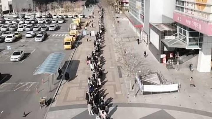 Thousands Of People Queue Up In South Korea For Face Masks