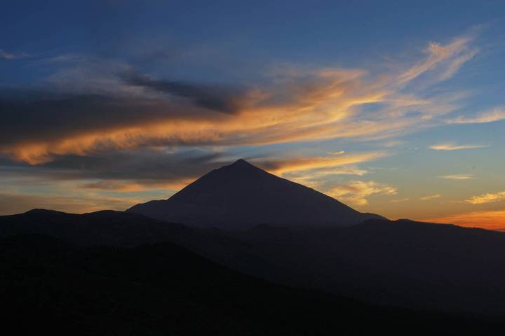 Everyone Is Fucking Terrified A Volcano Will Erupt On Tenerife