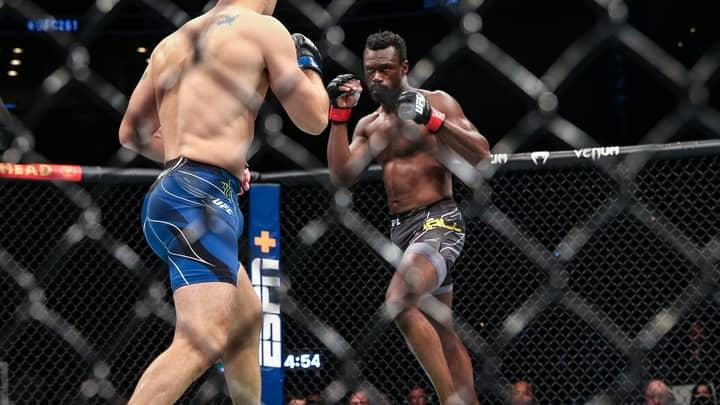 Chris Weidman Snaps Leg During Clash With Uriah Hall At UFC 261