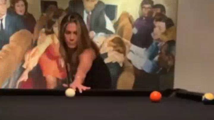Courteney Cox Shares Video Of Jennifer Aniston's Terrible Pool Skills