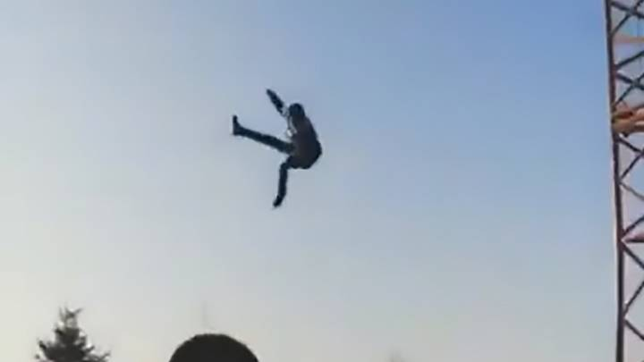 Teenager Severely Injured After Being Flung Through The Air By Slingshot Ride