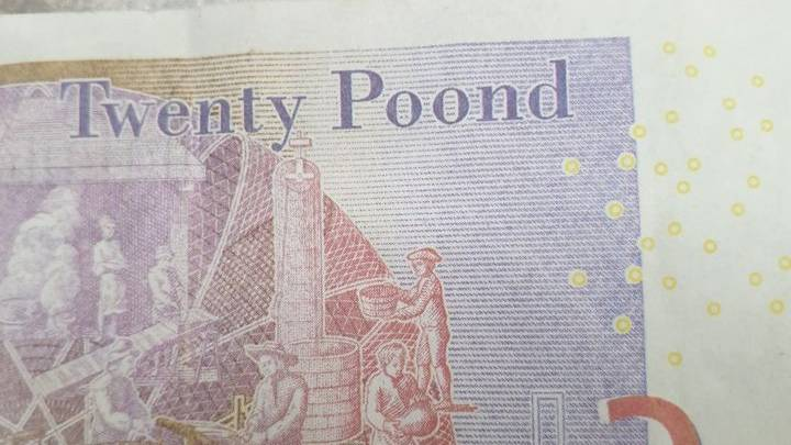 Fraudsters Try To Trick Shop Workers With Fake 'Twenty Poond' Notes