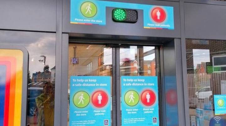 Aldi Launches Traffic Light System At Store Entrances To Control Number Of Customers