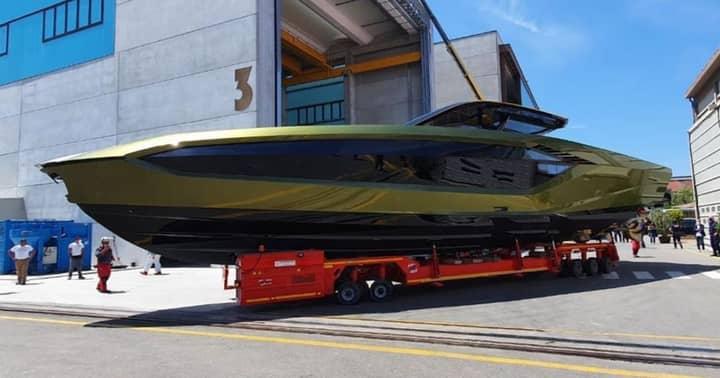 Conor McGregor Reveals New £2.6 million Lamborghini Yacht
