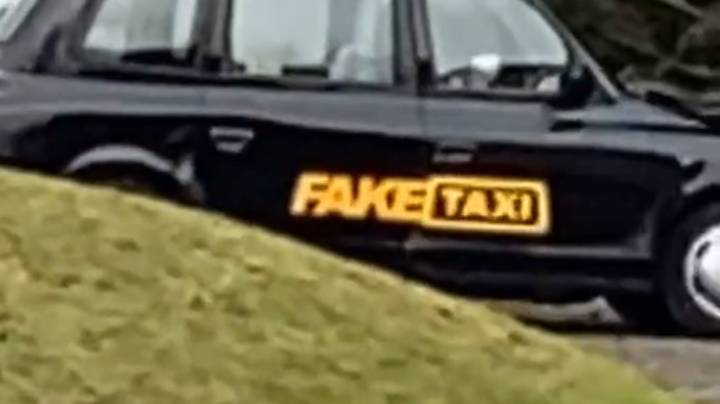 ​Man Spots 'Fake Taxi' While Out On Walk With Pal