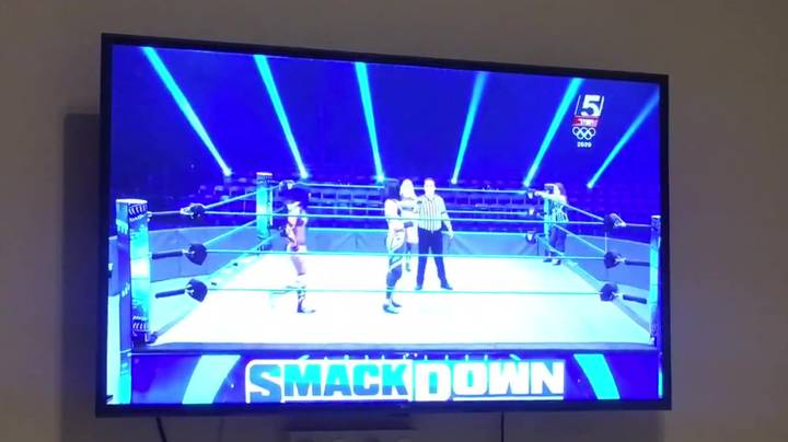 Leaked Footage Shows WWE Stars Stop Wrestling During Ad Breaks
