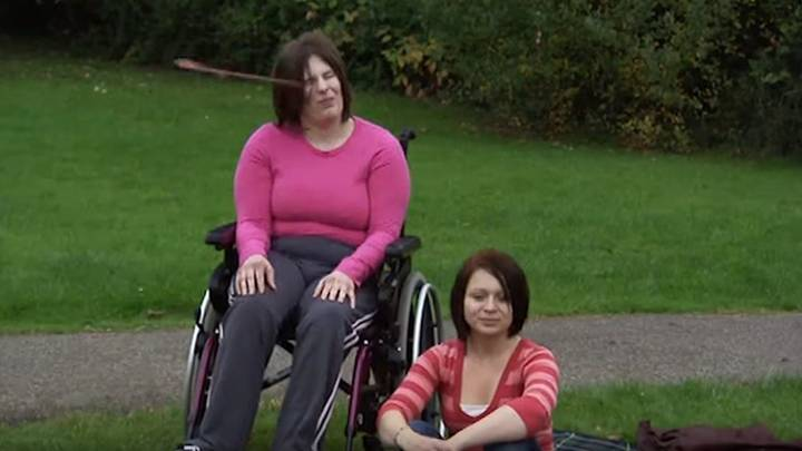 How The Inbetweeners Filmed 'Disabled Woman Being Hit By Frisbee' Scene
