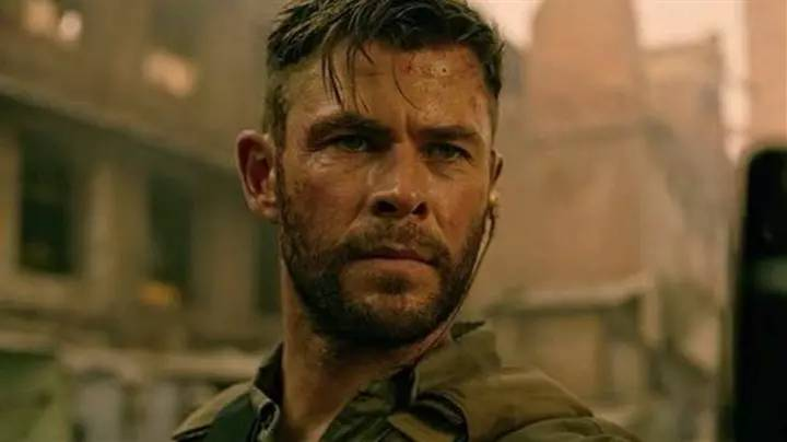 Chris Hemsworth Responds To Extraction's Ambiguous Ending