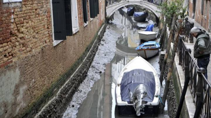 Shocking Images As Venice Canals Run Dry
