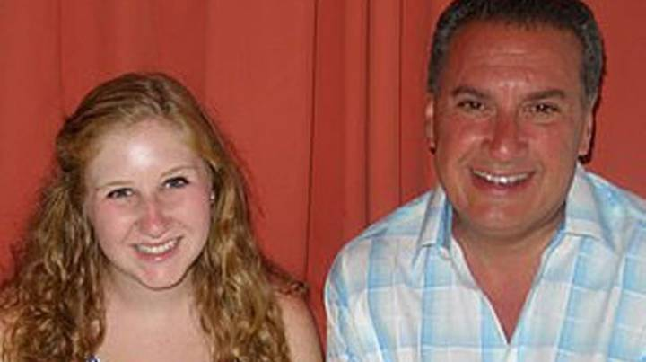 Dad Discovers Daughter Isn't His After She Gifts Him DNA Test Kit For Christmas