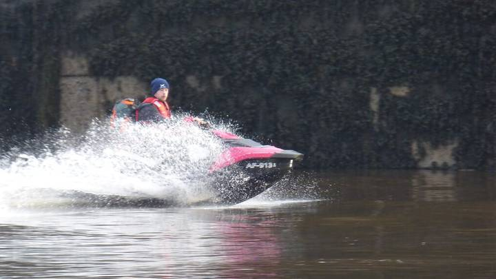 Dad Who Crossed Sea On Jet Ski To See Girlfriend 'Can't Even Swim'