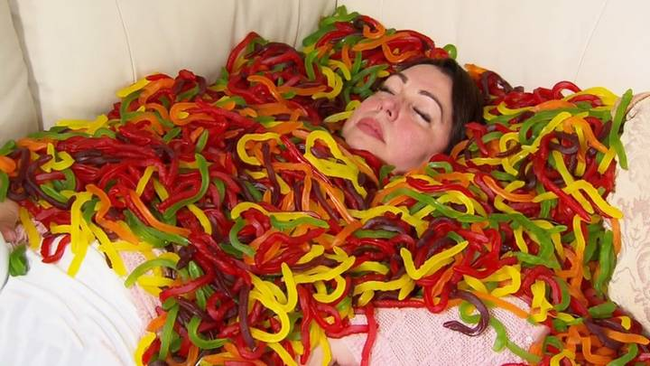 Australian Woman Gets Hypnotherapist To Cure Her Addiction To Eating Snake Lollies