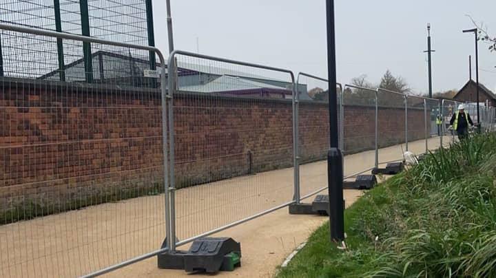 Manchester University Erects Fences To Enforce Lockdown Measures
