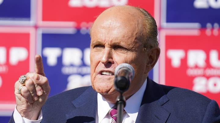 The Simpsons Writer Thinks Comparisons Between Rudy Giuliani And Lionel Hutz Are Unfair