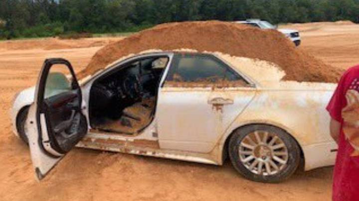 Man Dumps Mound Of Dirt On Girlfriend's Car During Row
