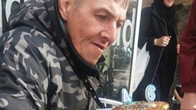 Community Bands Together To Celebrate Homeless Man's Birthday