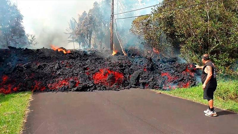Hawaii Residents Evacuated As Threat Of Volcanic Eruption Continues