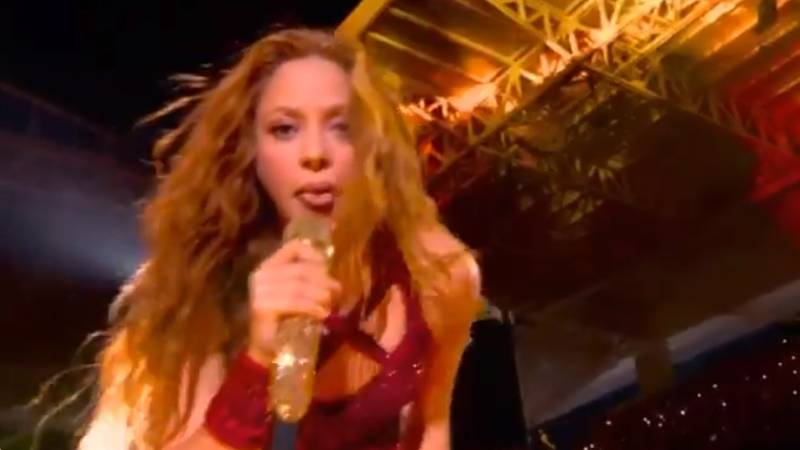 Fans Freaked Out By What Shakira Did With Her Tongue During Super Bowl Half Time Show