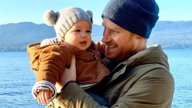 Harry And Meghan Share New Photo Of Baby Archie For The New Year