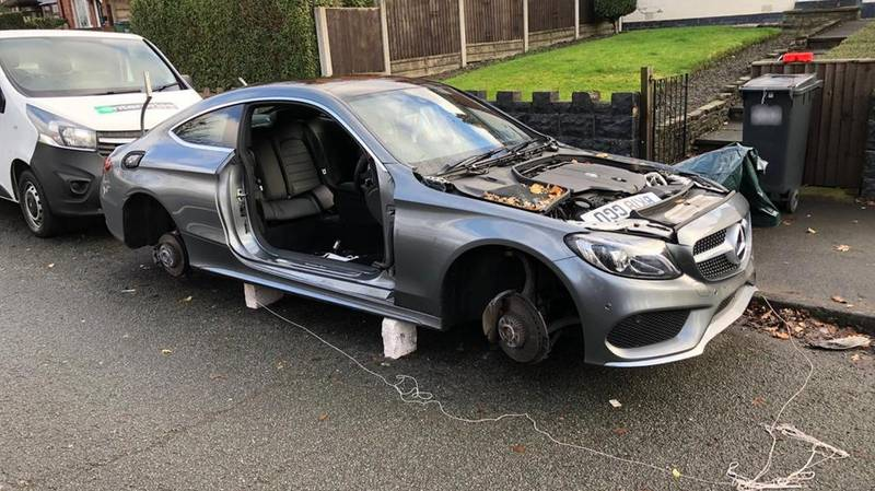 Thieves Completely Strip Mercedes Outside Owner's Home
