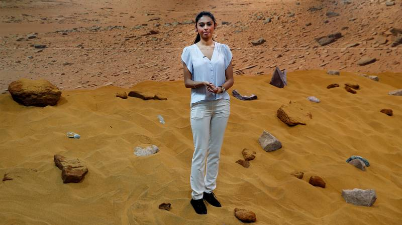 Scientist Explains Weird Shit That Would Happen To Humans If We Moved To Mars