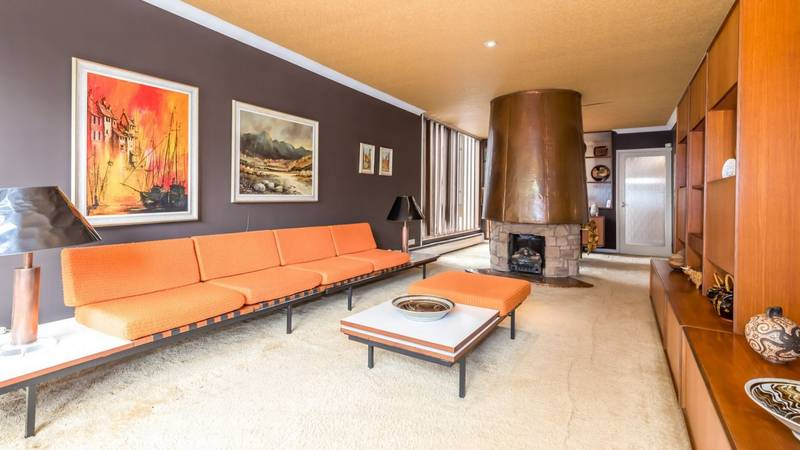 Photos Show Incredible '70s-Style Home On Sale For The First Time