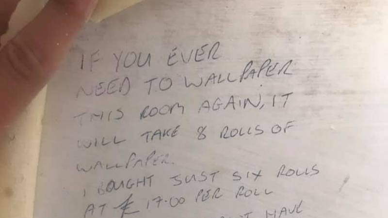 Couple Decorating Find Hilarious Note With Advice From The Previous Owner
