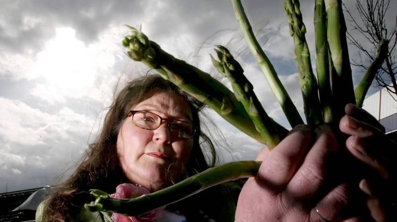 Woman Who Claims To Be Able To See The Future Using Asparagus Has Predictions For 2021