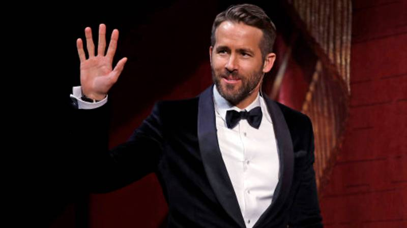 Ryan Reynolds Responds To His Fan's X-Rated Messages In The Most Polite Ways