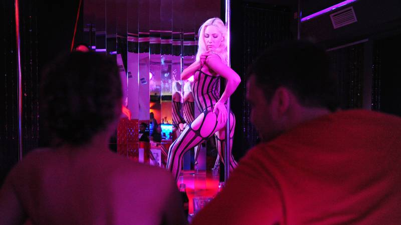 Strippers Explain Why Lots Of Club-Goers Soil Themselves At Christmas
