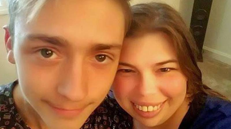 18-Year-Old Wants To Marry His Best Mate's Mum Despite 21-Year Age Gap