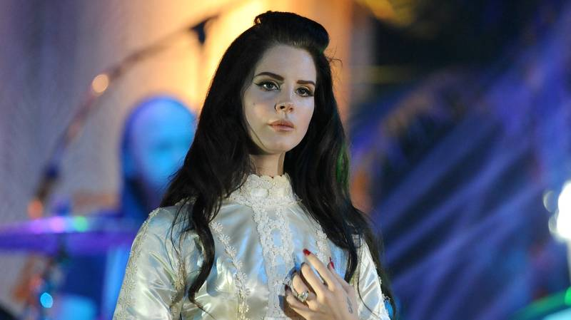 Lana Del Rey Hits Back At Critics Over Album Cover