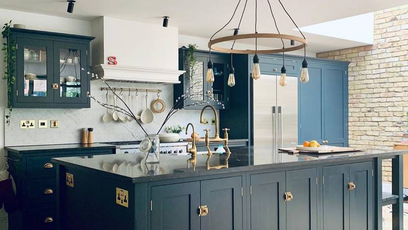 Woman Turns 1930s Family Home Into A Modern Masterpiece