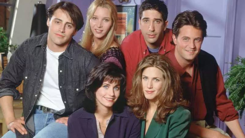 Lisa Kudrow Says Friends Would Not Have All White Cast Nowadays